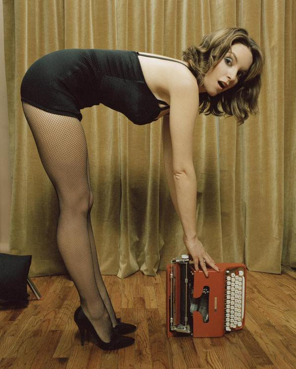 tina fey with typewriter